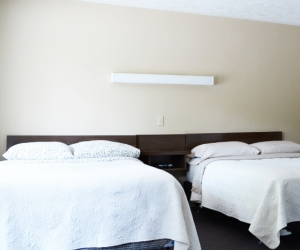 Motel Unit #6 - Starting @ $142 / night based on week day double occupancy. Please contact us for availability/reservation